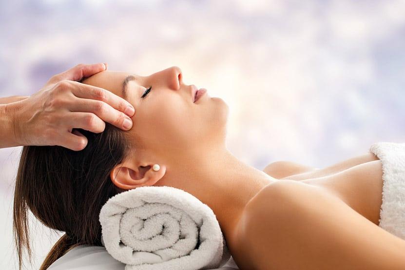 https://www.zentherapytraining.co.uk/wp-content/uploads/2021/07/postpartum-massage-1.jpg