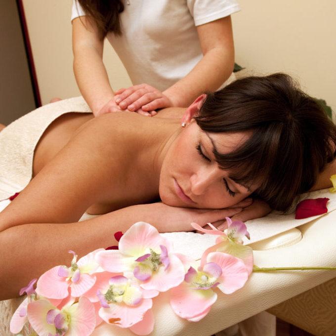 Back massage in the spa salon